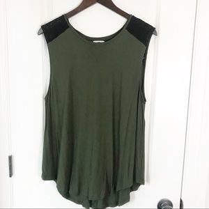 Old Navy Green & Black Lace Sleeveless Muscle Tee